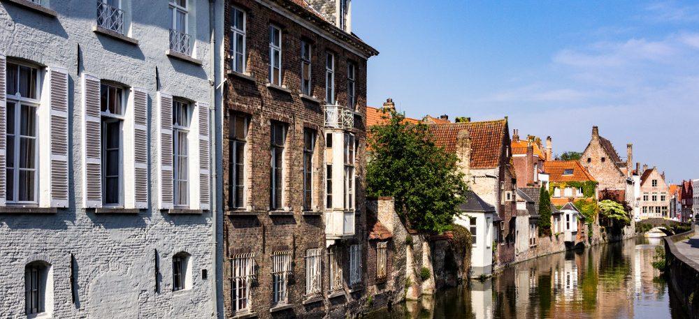Bruges-canals-e1487256596357.jpg